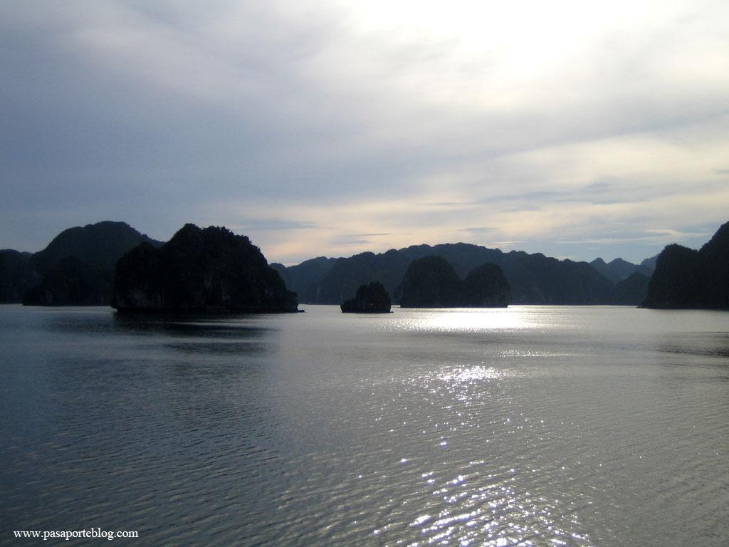 Bahia de Halong, Vietnam, Asia
