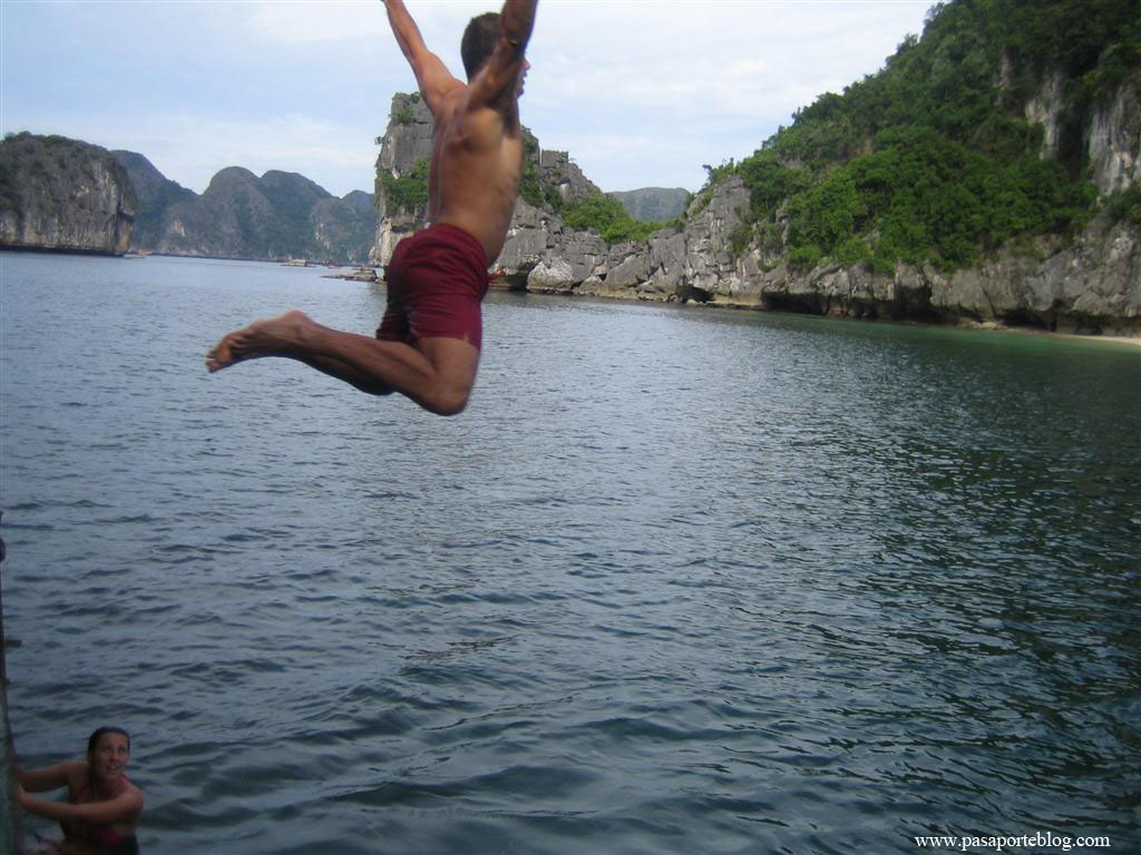 Salto al mar de la china, bahia de halong