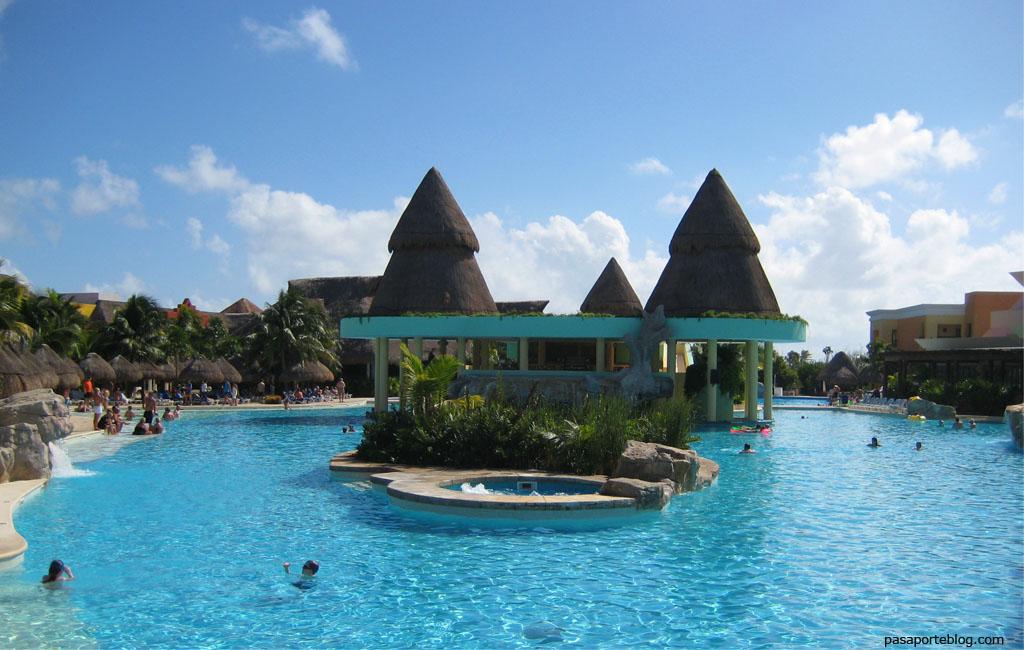 piscinas hotel iberostar paraiso maya playa del carmen mejico