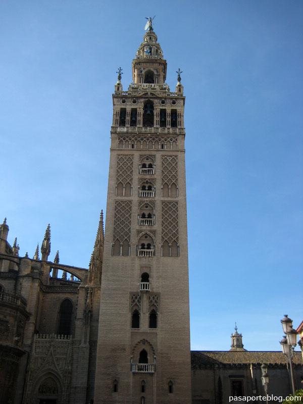 La Giralda, Sevilla ¿alminar o torre?