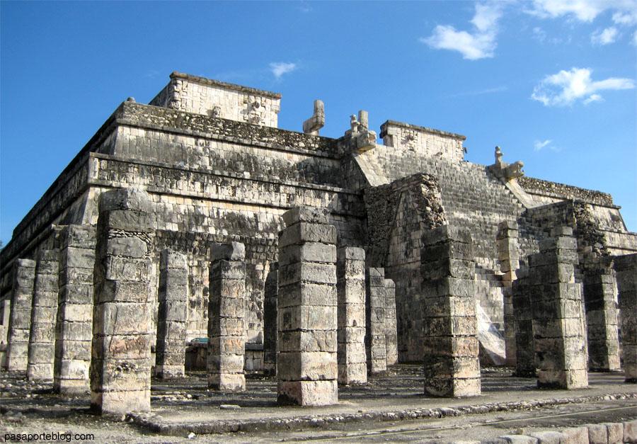 Templo de las mil columnas o mercado en Chichen Itza, viaje desde Cancún, México