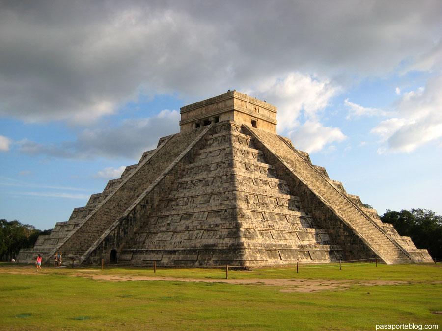 Chichen Itza Templo de Kukulcan Cancun Mexico