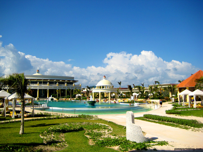 Piscina Grand Hotel Paraiso Iberostar, hotel en la Riviera Maya, Mejico.