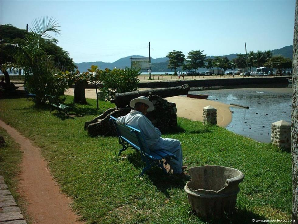 parati, embarcadero y viaje a brasil