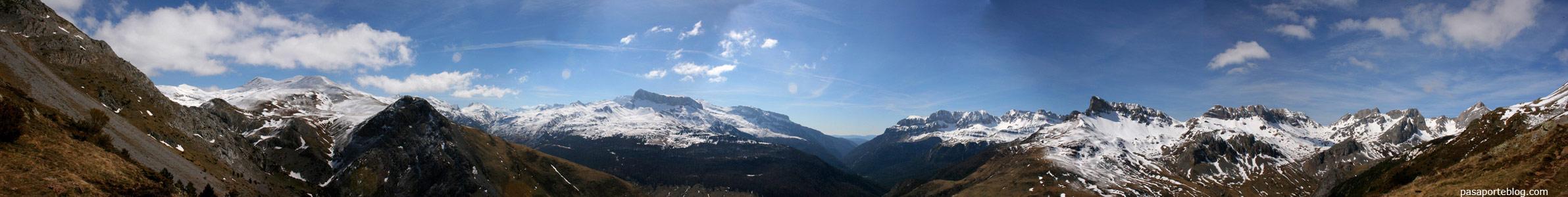 vista panorámica 320 grados Valle de Hecho y Valle de Ansó, Pirineos