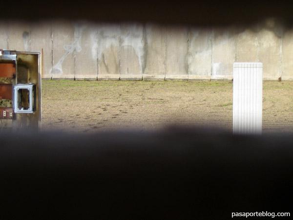 a traves del muro de berlin