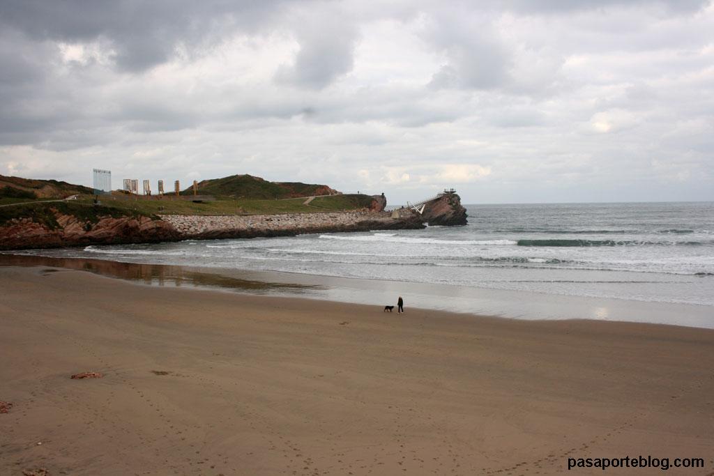 Playa de Salinas, Museo de las Anclas