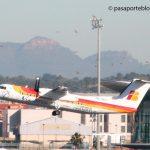 Dash Q300 despegando en Valencia