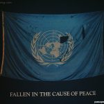 "Foto bandera Naciones Unidas ""Fallen in the cause of Peace"""