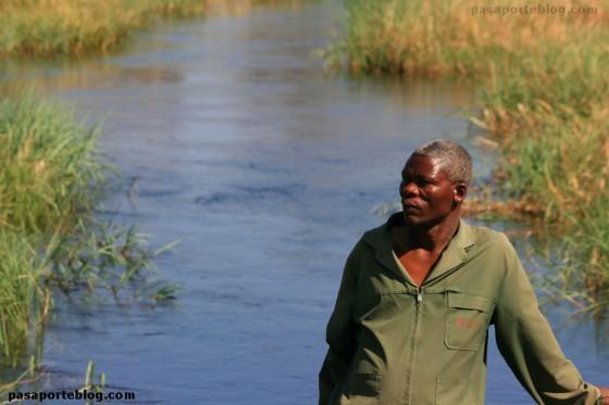 Puente sobre el rio Khwai Delta del Okawango Botswana