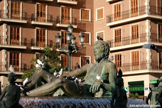 fuente plaza de la virgen valencia