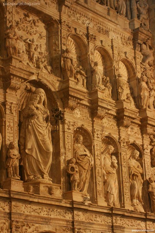 retablo barroco de-la-iglesia-abacial-monasterio-poblet