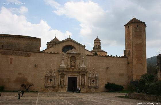 monasterio de santa maria de poblet ruta cisterciense tarragona