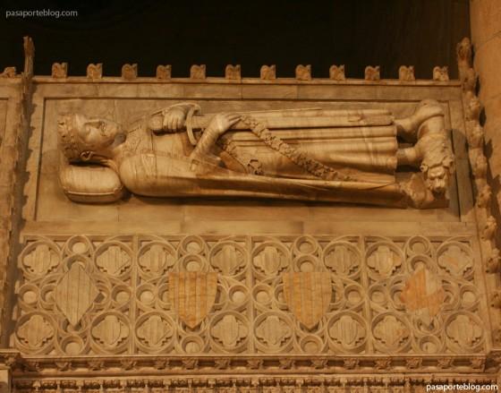 tumba de jaume primer el conqueridor monasterio poblet
