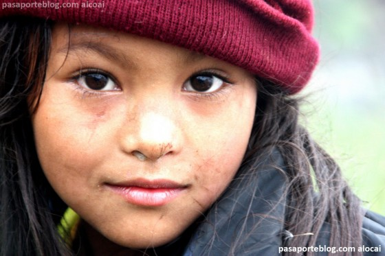 nina nepali viaje a nepal foto por Gonzalo Suardiaz