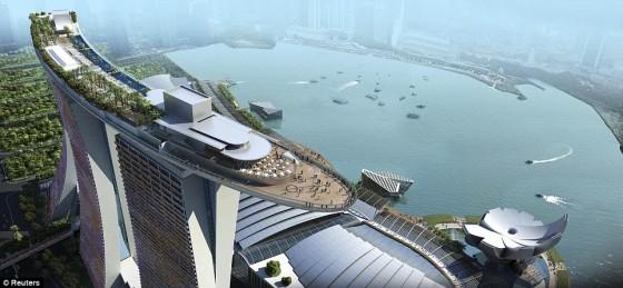 La piscina m s espectacular del mundo hotel marina bay for Piscina mund