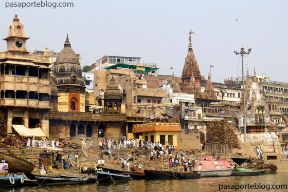 Palacios en la ciudad de Varanais en el viaje a India