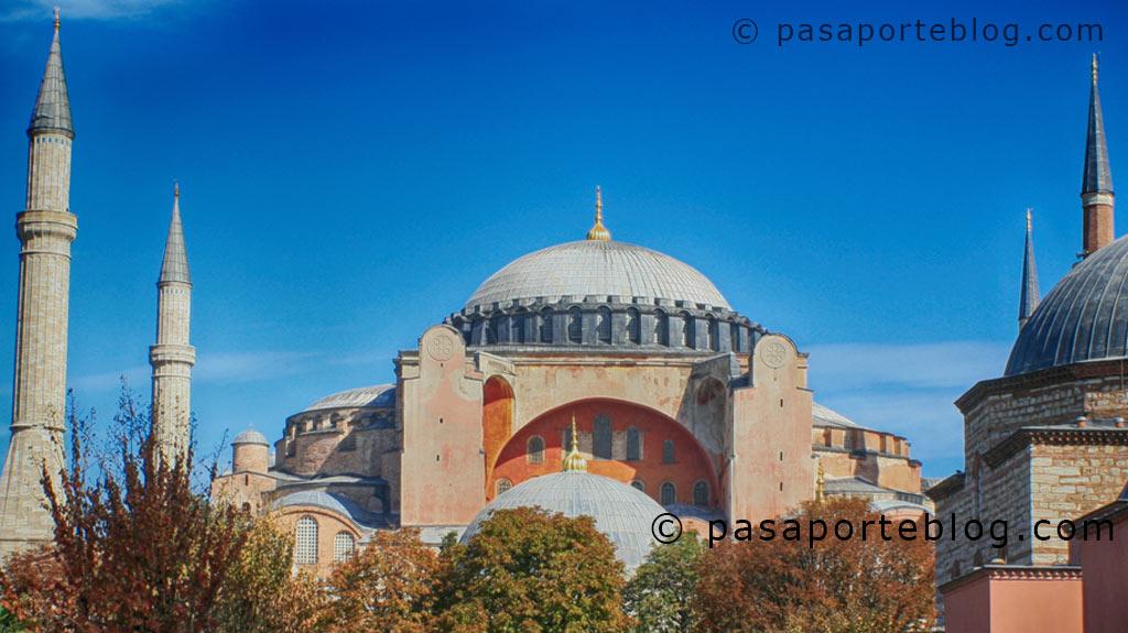Santa Sofia, obra maestra de la arquitectura que une oriente y occidente. Estambul