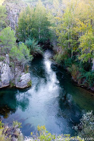 el Charco Azul, zona de baño en el rio Turia