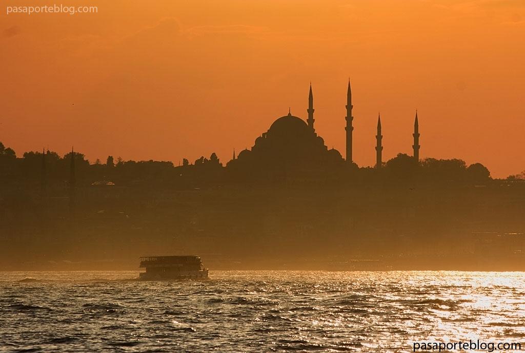 el bosforo y las mezquitas de estambul