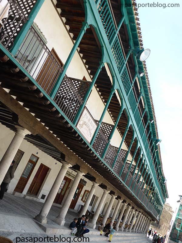 234 balcones en a plaza mayor de chinchon, con sus bajoportales