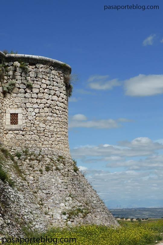castillo renacentista en chinchon a 40 km de madrid