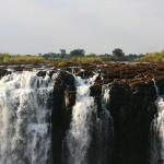 Las Cataratas Victoria desde la piscina del diablo,  ¿aventura o imprudencia?