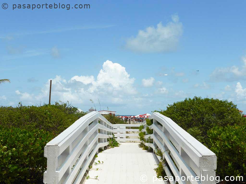 acceso-privado-a-la-playa-en-south-beach-hotel-richdmond