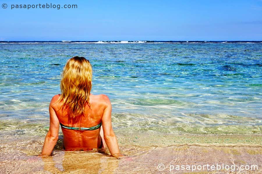 chica en las playas de la republica dominicana