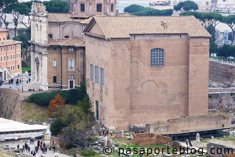 La curia romana, sede del senano republicano e imperial, foro de roma