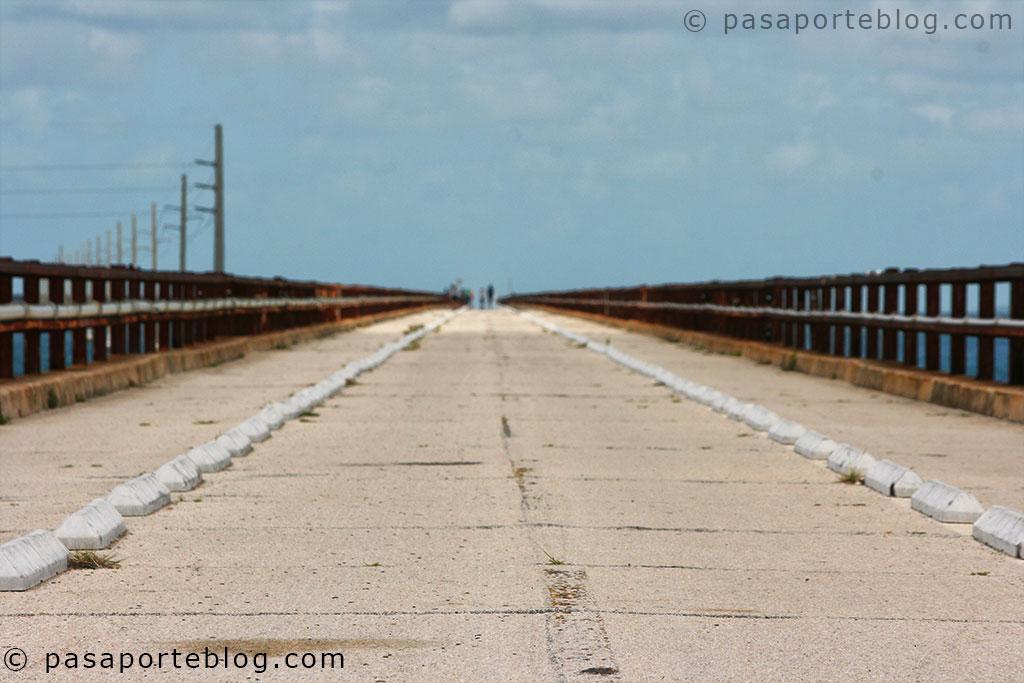 antigua carretera en los cayos de florida viaje a miami