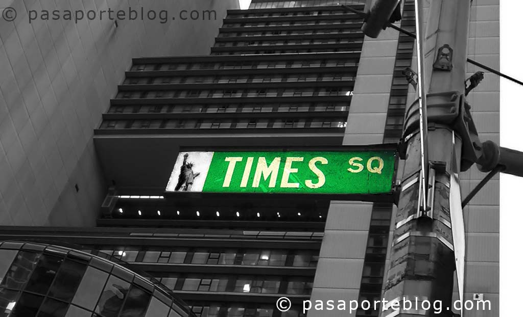 times-square-new-york-signal