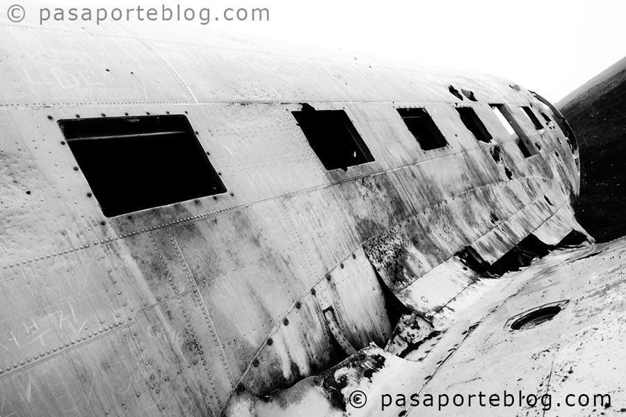 antiguo-avion-estrellado-en-islandia-turismo