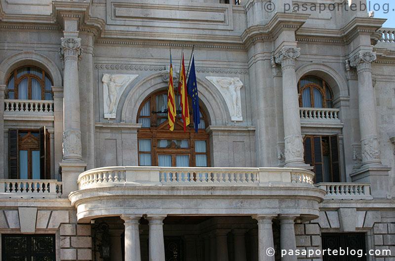 balcon del ayuntamiento de valencia