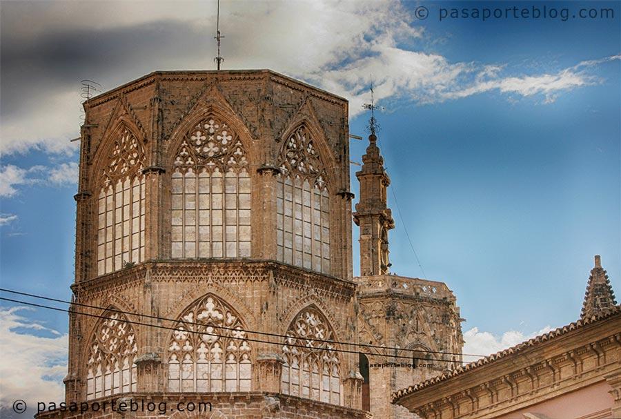 cimborrio-catedral-de-valencia-ventanas-de-piedra-alabastro