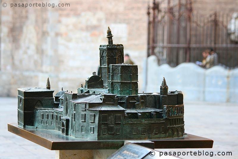 reproduccion-a-escala-de-la-catedral-de-valencia