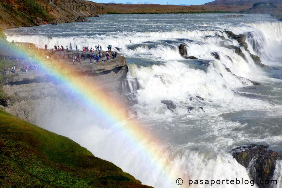 Gullfoss-una-impresionante-cascada-de-agua-en-Islandia