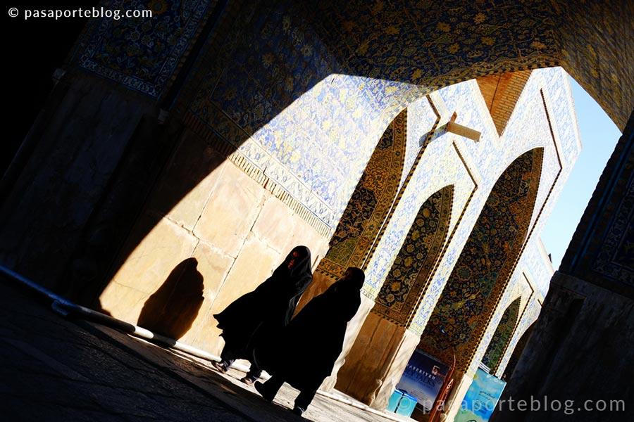 viajar a iran mujeres en persia