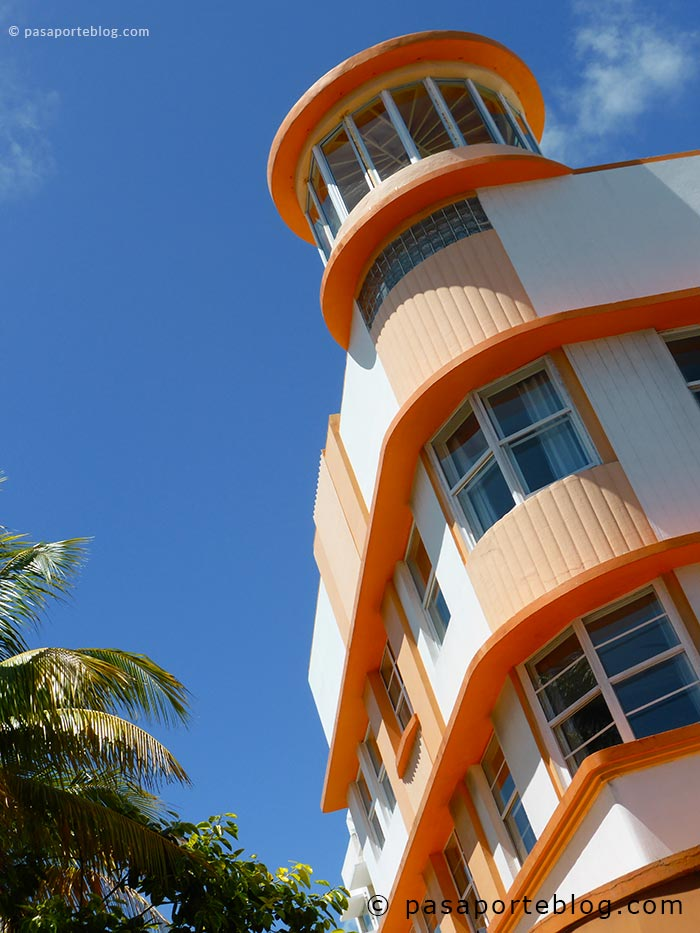 waldorf hotels towers art deco miami